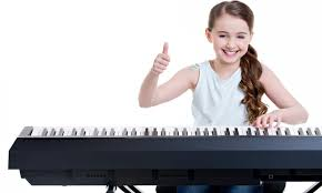 علاقه کودک به پیانو