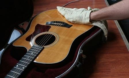 چگونه از گیتار مراقبت و نگهداری کنیم؟