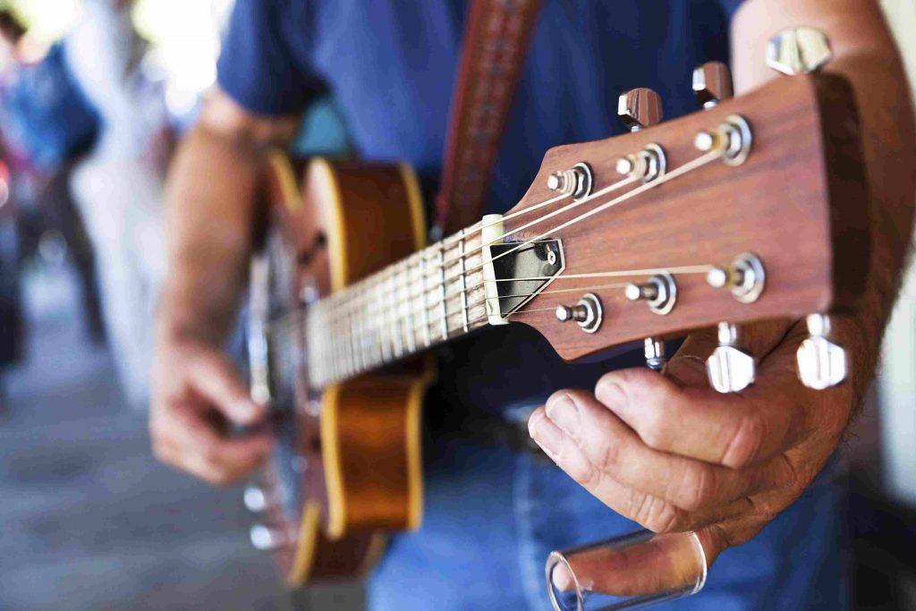 چرا گیتار از کوک خارج میشود؟